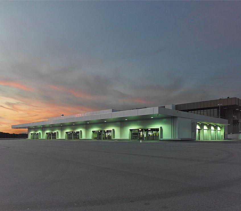 Busgate Flughafen-Zürich